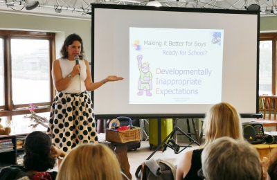 Author Ali McClure speaking at the Thrive conference hosted by Diagrama Foundation
