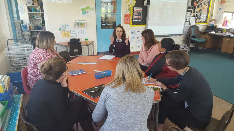 Diagrama Foundation European Projects Manager Laida Quijano meets with teachers and support staff at Twydall Primary School in Gillingham, Kent