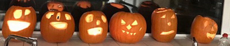 Diagrama Foundation: Cabrini residents turn their hand to pumpkin carving for Halloween